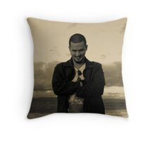 Ralph in the clouds Throw Pillow