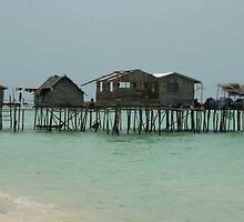 Badjao Houses on Stilts by dincoscolluela