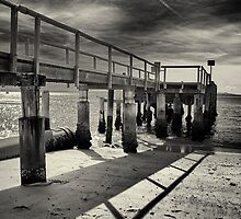 Shoal bay pier hdr by jubrok