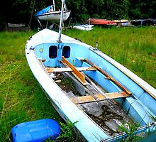 Old & Worn Boat by dawnandchris