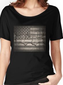 Vintage American Flag Cracked Wall Women's Relaxed Fit T-Shirt