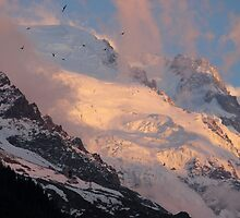 Sunset on Mont Blanc taken with a 550D Cannon 55 to 250 Lens by Louise Bontoft
