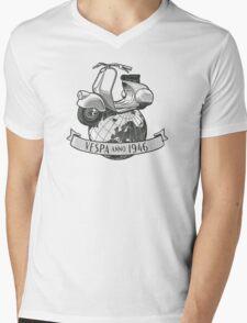 Vespa Anno 1946 Mens V-Neck T-Shirt