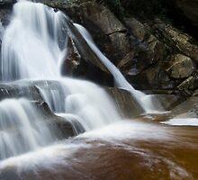 Garden Route falls by Kenji Ashman