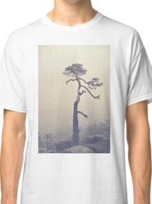 A single tree Classic T-Shirt