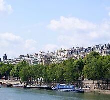 Paris sur La Seine (Paris on the Seine)  by HannaKingdom