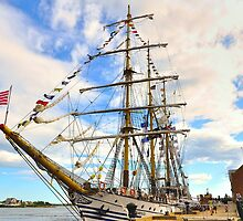 Dawaruci__Tall Ship of Indonesia by Poete100