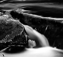Splitting two rocks by bluetaipan