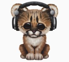 Cute Cougar Cub Dj Wearing Headphones on Blue Kids Tee