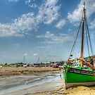Endeavour at Leigh-on-Sea by Thasan