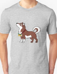 Red Alaskan Malamute with Gold Jingle Bells & Holly T-Shirt