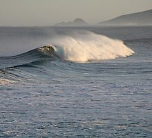 Early morning waves at Yallingup by Leonie Mac Lean