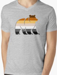 BEAR FLAG BEAR Mens V-Neck T-Shirt