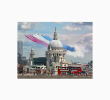 VE Day 70 Years On - The Red Arrows Over London 2015 Unisex T-Shirt