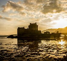Eilean Donan Castle by jd-photography
