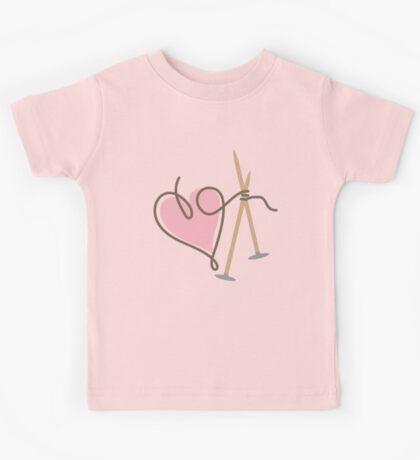 Love knitting needles heart yarn Kids Tee