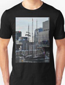 """""""Oosterschelde"""" Departing Cockle Bay, Sydney, Australia 2013 T-Shirt"""