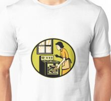 Housewife Baking Bread Pastry Dish Oven Retro Unisex T-Shirt