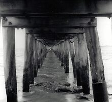 Point Lonsdale pier - 35mm by Matt  Carlyon