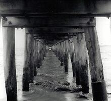 Point Lonsdale pier - 35mm by Matt  Carlyon
