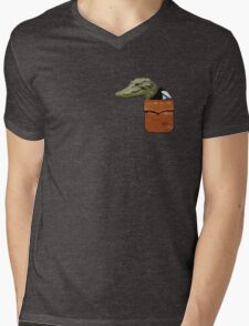 Polly the killer CrocoPie Mens V-Neck T-Shirt