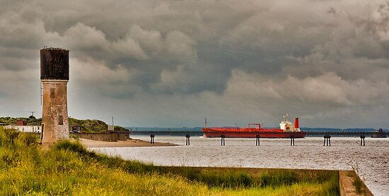 Leaving the Humber Estuary by Trevor Kersley