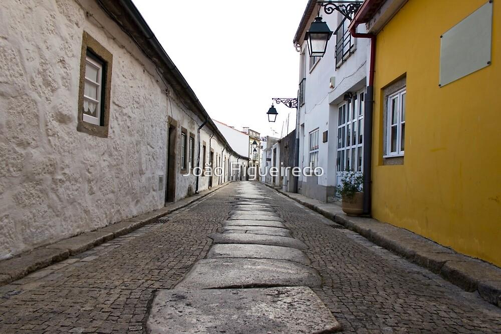 A random street by João Figueiredo