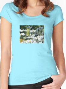A Garden of White Daisy Flowers Women's Fitted Scoop T-Shirt