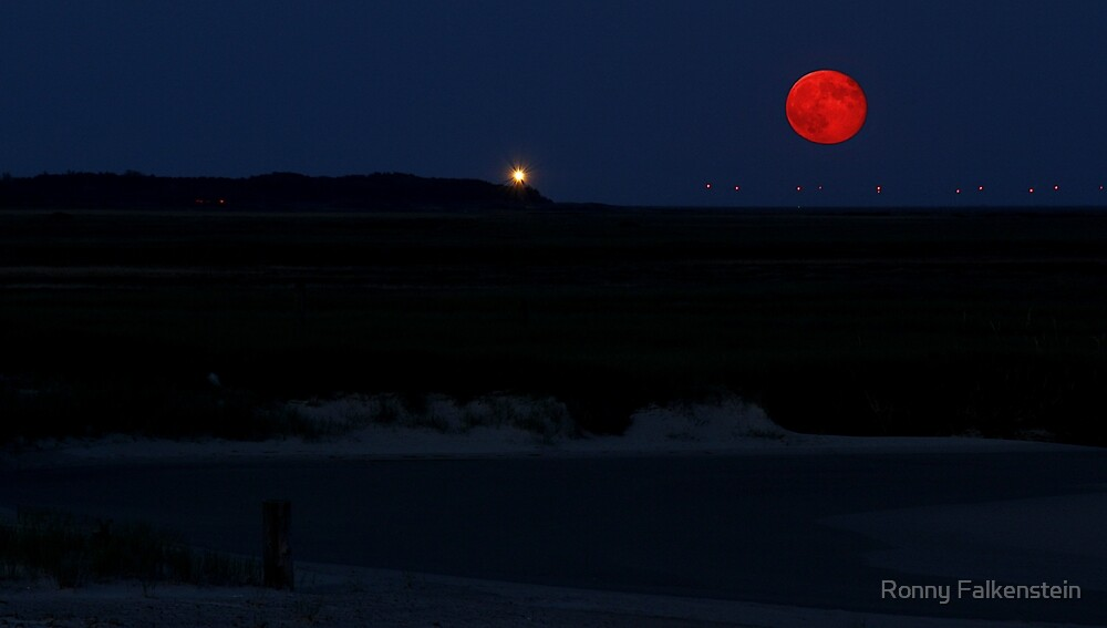 Red Moon by Ronny Falkenstein