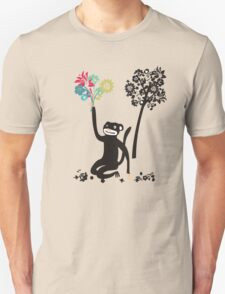 Funny monkey with flower bouquet Unisex T-Shirt