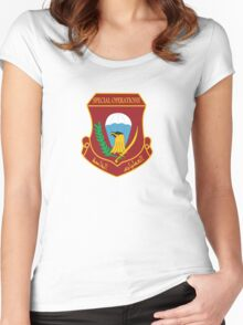 Iraqi Special Operations Forces (ISOF) - قوات العمليات الخاصة العراقية‎ Women's Fitted Scoop T-Shirt