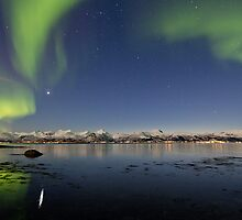 Auroras reflections by Frank Olsen