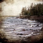 Lake Superior Waves by Phil Perkins