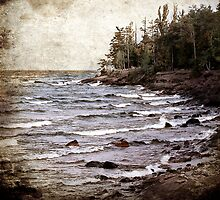 Lake Superior Waves by Phil Perkins