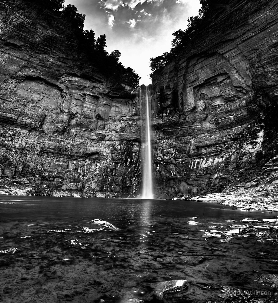 Taughannock Falls by Roddy Atkinson