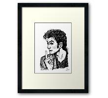 "The Doctor - David Tennant - ""Fingers on Lips!"" Framed Print"