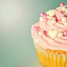 Pink Cupcakes with Lovehearts by Lyn  Randle