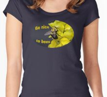Be Nice to Bees Women's Fitted Scoop T-Shirt