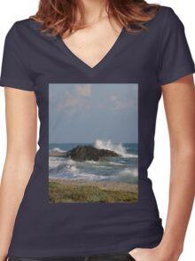 Splash! Women's Fitted V-Neck T-Shirt