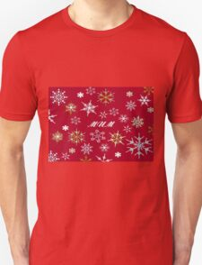 To Mum At Christmas Greeting With Snowflakes  T-Shirt