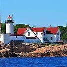 Lighthouse by joevoz