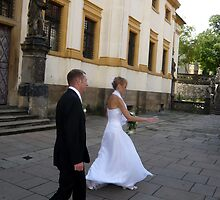 Wedding Run by HeklaHekla