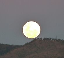 My Best Moon Shot! Taken over 'Mount Stuart', Townsville.Queensland. by Rita Blom