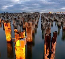 Port Melbourne pier by Damian Morphou