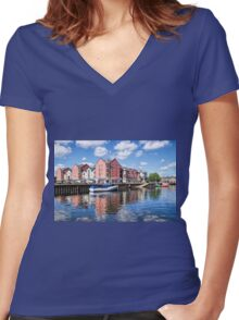 Exeter Quays Women's Fitted V-Neck T-Shirt