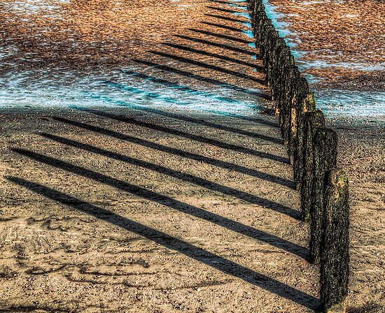 Lines on the Sand by timmburgess