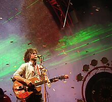 Wayne Coyne/Flaming Lips Glastonbury 2010 by rosiepc