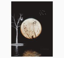 Super Moon Light (T-Shirt) by Yannik Hay