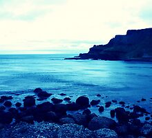 Giants Causeway, Ireland by Reepy