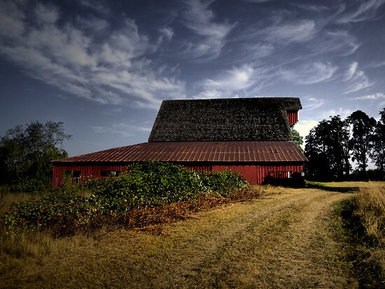 The Big Red Barn by Charles & Patricia   Harkins ~ Picture Oregon